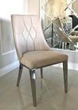 FT182 to bardzo eleganckie krzesło, które pozwoli na urozmaicenie każdej aranżacji. Jeśli uważasz, że twój salon czy jakieś inne pomieszczenie jest...