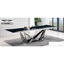 Rozkładany stół LUIS 210-290  Ultra nowoczesny design naszego stołu wykończonego czarnym, hartowanym szkłem nada każdej jadalni awangardowego...