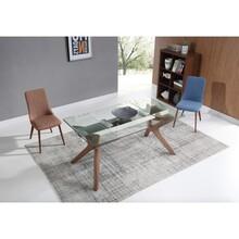 Stół Alvaro  Stół rozkładany jest idealnym rozwiązaniem dla wnętrz, gdzie nie chcemy iść na kompromis jeśli chodzi o powierzchnię naszych...