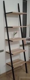 Nowoczesny regał w prostej i ażurowej formie idealny do nowoczesnego wnętrza. Blaty drewniane wykonane z litego drewna dębowego z widocznymi słojami. ...