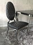 Krzesło medalion pikowane - czarne  Materiał wykonania:  - stal nierdzewna polerowana, - ekoskóra - pikowana  Dostępne kolory:  -...