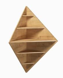 Półka wisząca corner 006 z kolekcji BASIC  Neutralne kolory oraz prosta ponadczasowa forma czynią zestaw Basic idealnym kompromisem dla młodszych,...
