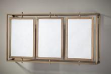 <br />Lustro ścienne MONO ,wykonano z żelaza w kolorze antycznego mosiądzu i trzech tafli luster.<br />Lustro w loftowo-industrialnej...