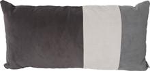 Prostokątna poduszka Ridge Rectangle marki Zuiver to świetna dekoracja do każdego pokoju dziennego, zwłaszcza tego wykończonego w stylu skandynawskim...