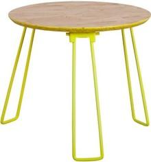 Stolik OSBw rozmiarze M marki Zuiver  Materiał: Blat wykonany został z 18 mm płyty OSB. Nogi metalowe, wykończone w kolorze żółtym....