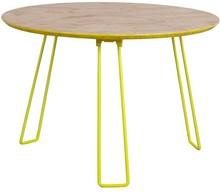 Stolik OSBw rozmiarze L marki Zuiver  Materiał: Blat wykonany został z 18 mm płyty OSB. Nogi metalowe, wykończone w kolorze żółtym....