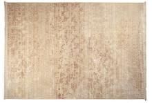 Dywany z serii SHISHA to typowa nowoczesna klasyka. Zuiver skorzystał z tradycyjnych wzorów i wykorzystał nowoczesne techniki produkcyjne do stworzenia...