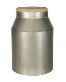 Metalowa beczka duża w szarym kolorze  Wymiary:  - Wysokość: 39 cm - Szerokość: 24 cm - Głębokość: 24 cm  Materiał:  - metal/drewno