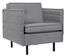 Nowoczesny fotel JAEY COMFORTw kolorze jasnoszarym, marki Zuiver.  Materiały: Poszycie: tkanina 100% polipropylen, kolor jasnoszary. Stelaż: drewno...
