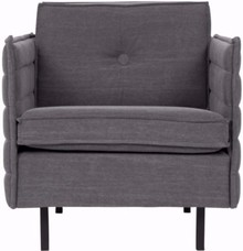 Nowoczesny fotel JAEY w kolorze szarym, marki Zuiver.  Materiały: Poszycie: tkanina 100% polipropylen, kolor szary. Stelaż: drewno sosnowe, sklejka...