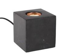 Lampa stołowa BOLCH marmurowa czarnaWymiary: 8,5x8,5x8,5cm<br />Czarny kabel z teksturą na włącznik / wyłącznik<br />Źródło...