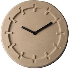 Zegar PULP TIME okrągły beżowy  Wymiary: 46x5,5 cm (ØxH) Baterie: 1xAA (nie dołączone) Materiał: 100% papier pochodzący z recyklingu