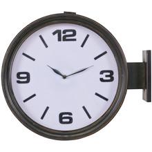Czarny zegar HEADSTATION  Wymiary:  - Wysokość: 38 cm - Szerokość: 46 cm - Głębokość: 13 cm  Materiał:  - metal