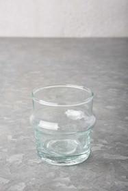 Szklany świecznik wykonany ręcznie z dmuchanego szkła z recyklingu w marokańskiej fabryceVerre Beldi.Wymiary:6 x 7 cmProdukty marki Urban...