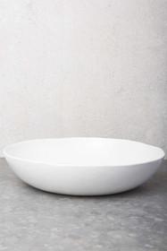Biała misa ceramiczna z serii Urban. Proste wykonanie, smukła forma nadaje jej majestatu. Produkty marki Urban Nature Culture łączą w sobie wpływy i...