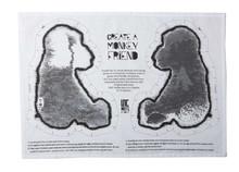 Ręcznik kuchennyz nadrukowanym wzorem małpki. To kolejny produkt z serii rzeczy projektowanych przez FABEL dla UNC. FABEL bardzo często wykorzystuje w...