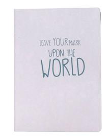 """Notatnik """" Upon the world""""z czystymi białymi stronami, wykonany z papieru z recyklingu.Wymiary:15 x 21 cmProdukty marki Urban Nature Culture..."""