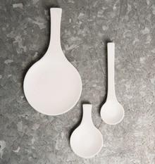 Łyżeczka ceramiczna, rozmiar small.Wykonana z mieszanki prochu z kości zwierzęcych,skalenia i kaolinu tak zwana porcelana...