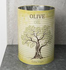 Metalowa puszka z napisem Oliwa z oliwekswoim wyglądem wzorowana na puszkach od konserw. Wykończona w odcieniach żółci i zieleni.Jej...