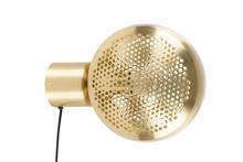 Lampa ścienna GRINGO BRASS, marki Zuiver posiada połyskujący, mosiężny klosz, który swym kształtem przywodzi na myśl plaster miodu. Model został...