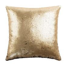 Poduszka wyszyta czarnymi i złotymi cekinami z przodu. Wypełnienie z poliestru i bawełny. Poszewka z suwakiem.  Wymiary: 45x45x15 cm