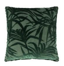 Poduszka MIAMI zielona  Materiał: Tkanina z wzorem: 79% wiskoza, 21% poliester Wypełnienie: 100% poliester  Wymiary:45x45x12 cm