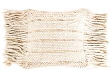 Poduszka Fringe w kolorze jasno beżowym z frędzlami.  Materiał:70% wełna, 30% bawełna Wypełnienie: Poliester  Wymiary (bez frędzli): 45 x 45...