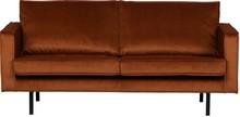 Sofa RODEO 2,5-osobowa rdzawa  Wymiary:  - Wysokość: 85 cm - Szerokość: 190 cm - Głębokość: 86 cm  Materiał:  - aksamit