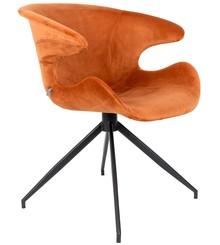 Fotel Miato niezwykle komfortowa propozycja od marki Zuiver. Welurowa tapicerka krzesła jest miękka i przyjemna w dotyku, a jego forma otula...