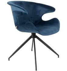 Fotel Mia to niezwykle komfortowa propozycja od marki Zuiver. Welurowa tapicerka krzesła jest miękka i przyjemna w dotyku, a jego forma otula siedzącego....