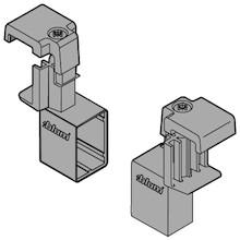 Uchwyt ZRU.01E0 B.CZARNY do montażu relingu poprzecznego ZRG.1104Q.   Uchwyt wykonany z tworzywa sztucznego.  Do zamontowania relingu...
