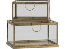 Zestaw 2 pudełek metal/szkło  Wymiary:  - 22,5x42x31,5 cm - 21x34x24,5 cm  Kolor:  - antique mosiężny  Materiał:  - metal/szkło