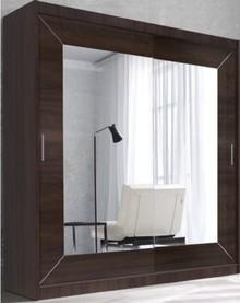Alfa - szafa dwudrzwiowa z lustrem  ALFA to kolekcja klasycznych szaf przesuwnych z lustrem. Do dyspozycji Klientów oddajemy dwie szerokości i...