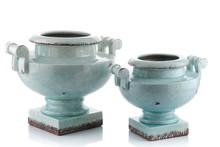 Donica ceramiczna JASPER , w formie gazonu nawiązuje kształtem do antycznych rzeźb, została wykonana z kamionkowej glazurowanej ceramiki w kolorze...