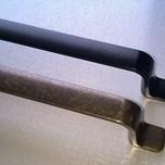 Uchwyt Schwinn Mosiądz Patynowany prosty o rozstawie otworów 128 mm i długości 165 mm. Doskonały do mebli kuchennych,salonowych.  Piękny uchwyt w...