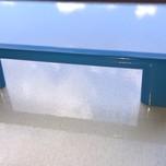 """UchwytSchwinnz kolekcji """"nowoczesnej"""" Niebieski Prosty uchwyt o rozstawie otworów 128 mm i długości 150 mm."""