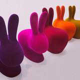 Krzesełko dziecięce Rabbit to najnowsza kreacja Stefano Giovannoni, który stworzył całą gamę przedmiotów z tej samej linii.<br...