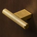 Gałka 0430 w kolorze mosiądz szczotkowany producenta Viefe z kolekcji GRAF w kształcie litery T  Gałka o średnicy fi 10 mm w pokryciu mosiądz...