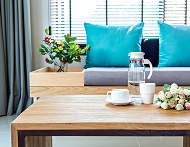 Jak czyścić meble drewniane?