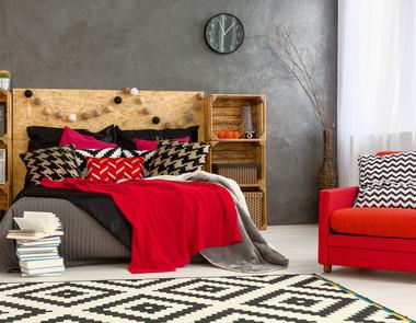 Sypialnia w kolorze czerwonym - 5 pięknych  inspiracji!