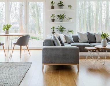 Kanapy salonowe - jak dokonać wyboru?