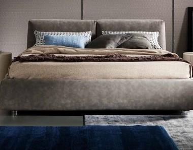Łóżko małżeńskie - powinno być solidne i komfortowe