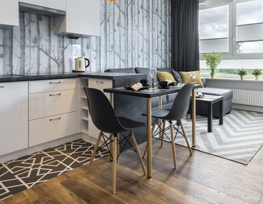 Krzesła do kuchni - jakie czynniki należy uwzględnić, dokonując wyboru?