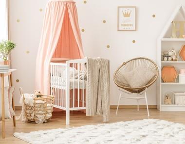 Łóżeczko dla niemowlaka - jak wybrać?