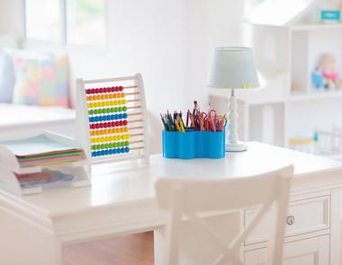 Biurko dla ucznia - wybierz odpowiednie dla swojego dziecka