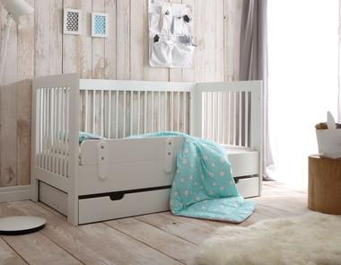 Łóżko z barierką - zadbaj o bezpieczeństwo swojego malucha