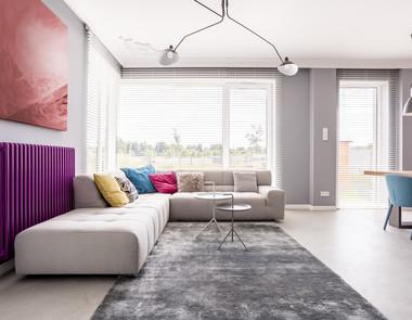 Jak zamienić szary salon w jasną, radosną przestrzeń?