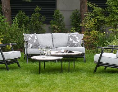 Zestaw wypoczynkowy ogrodowy - postaw na komfort