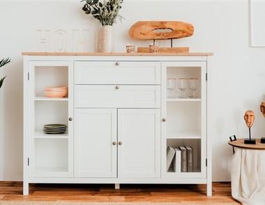 Perfekcyjne połączenie — biel i drewno